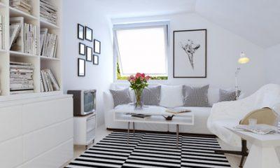 白が基調のお部屋に敷かれたSTOCKHOLM