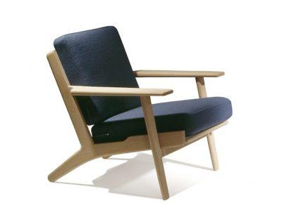 ウェグナーデザインの一人掛けソファ